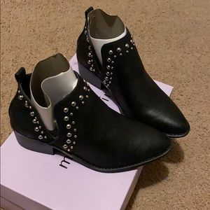 Madden Girl Ankle Boots Size 6